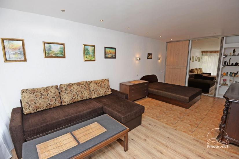 Studijas tipa dzīvoklis centrā: WiFi, lapene pagalmā, gaisa kondicionēšanas - 1