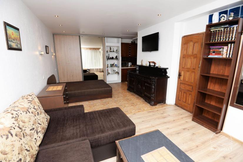 Studijas tipa dzīvoklis centrā: WiFi, lapene pagalmā, gaisa kondicionēšanas - 3