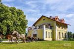 Svečių namai ir kempingas Ventspilio rajone  Leču muiža