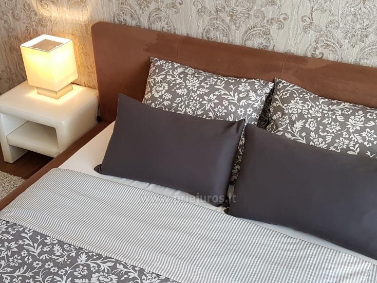 Moderne eingerichtete Wohnung mit gemütlicher Terrasse