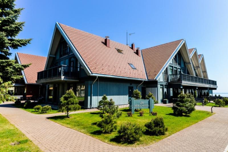 Apartamentas Preiloje ant Kuršių marių kranto, balkonas su vaizdu į marias