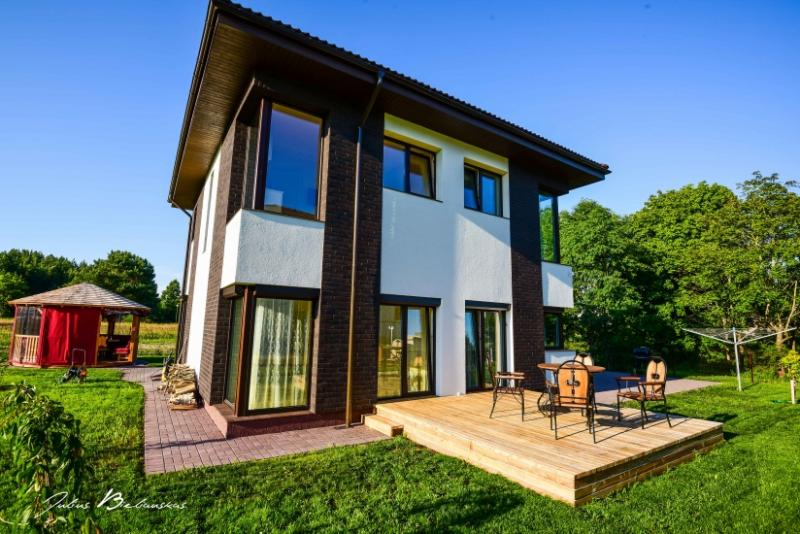 Ferienwohnungen in einem neuen Villa in Palanga. Privater Garten, in der Nähe zum Meer