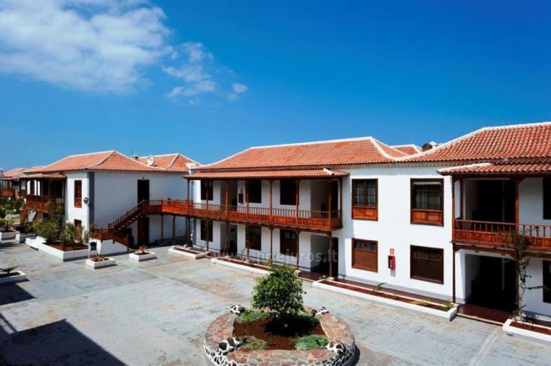 Poblado Marinero originalių apartamentų kompleksas vos už keleto metrų nuo paplūdimio