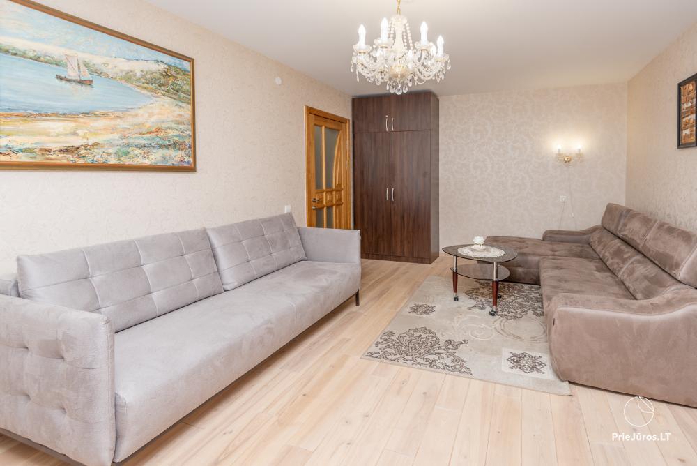 Puikus dviejų kambarių butas Nidos centre su didele terasa, lauko baldais - 5