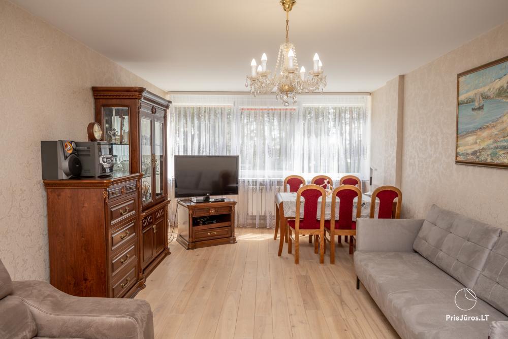 Puikus dviejų kambarių butas Nidos centre su didele terasa, lauko baldais - 2