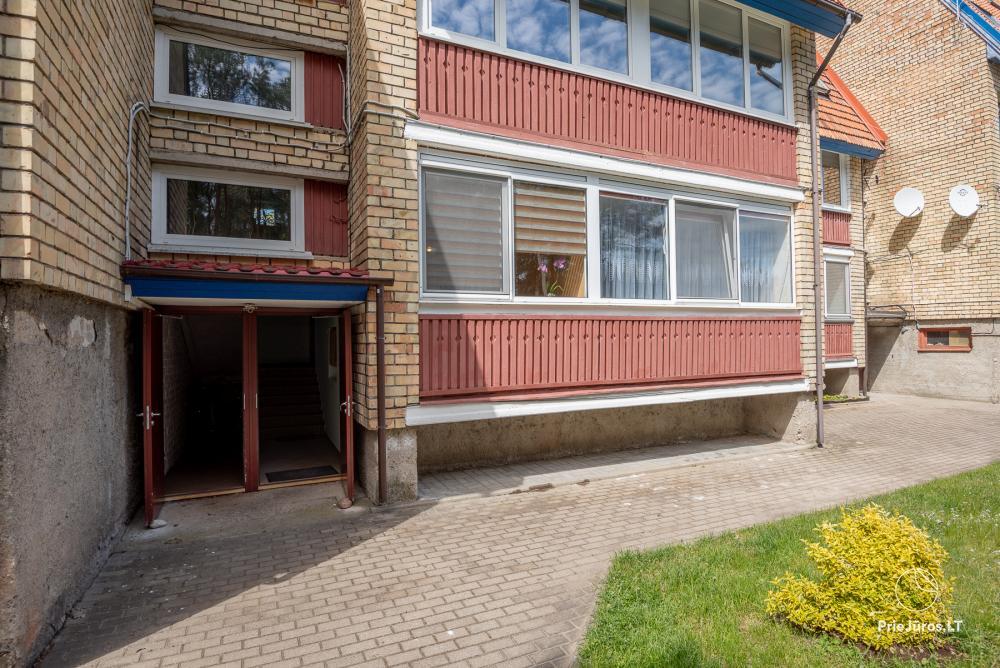 Puikus dviejų kambarių butas Nidos centre su didele terasa, lauko baldais - 16