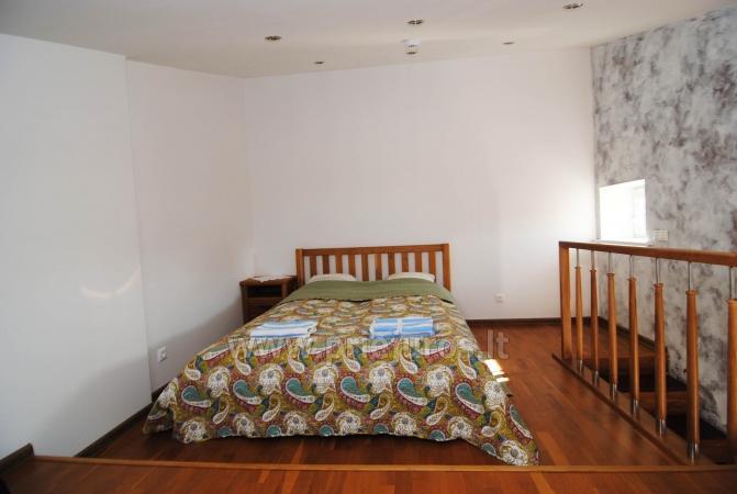 Dviejų kambarių butas per du aukštus Nidoje - 9