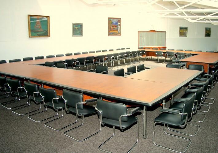 100 vietų konferencijų salė Juodkrantėje poilsio namuose Ąžuolynas ****