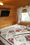 AKMENINĖ SALA. Rąstinis namas su pirtimi ir miegamomis vietomis - 32