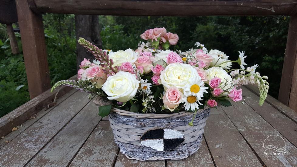 Gėlės, gėlių prekyba ir pristatymas, patalpų, stalų dekoravimas, dovanos - 1