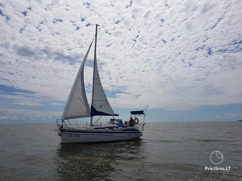 Plaukimas jachta Kuršių mariose, Nemuno deltoje, jūroje - kelionė jachta iš Nidos, Klaipėdos, Mingės