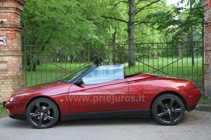 Itališkų kabrioletų nuoma be vairuotojo