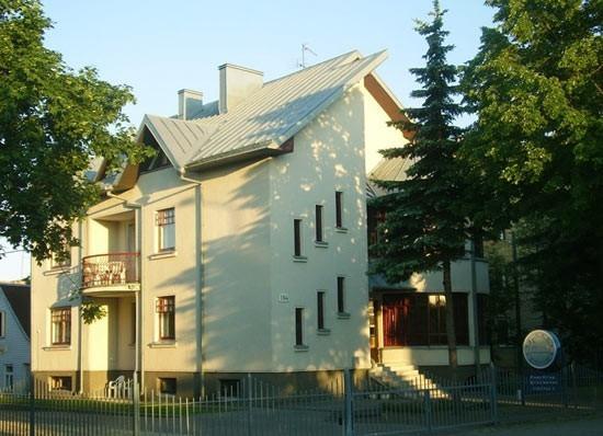 A. V. HOME - 4
