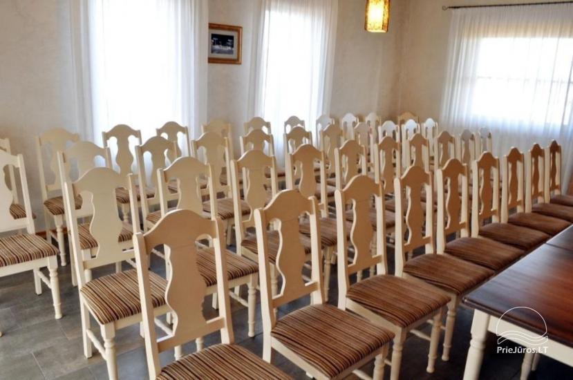 40 vietīga konferenču zāle viesnīcā Pajurio sodyba - 1