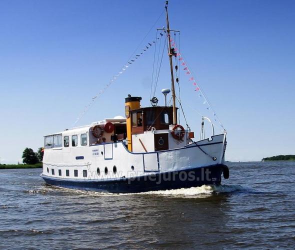 Keliaukite vandens keliu laivu Forelle