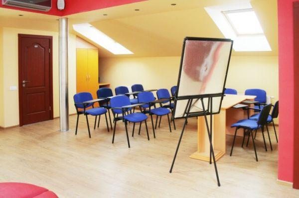 Konferencijų salė Melnragėje svečių namuose Van-Vila