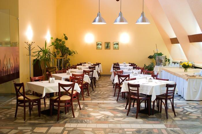 Banquets, Cafe in Hotel PALANGOS LINAS ***