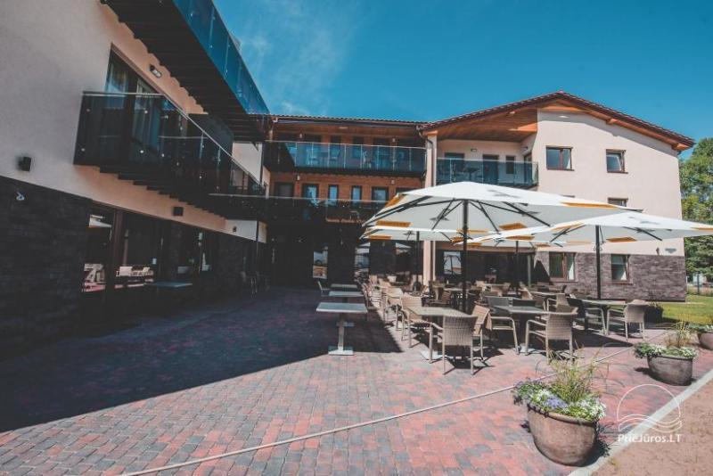 """Naujas restoranas ir terasa """"Lagūna"""" Šventojoje prie pat jūros"""