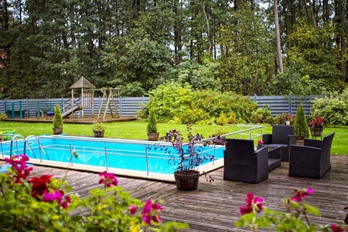 Heated outdoor swimming pool hot tub in villa vitalija in for Heated garden swimming pools