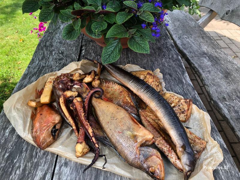 Bei Antanas - geräucherter Fisch in Šventoji