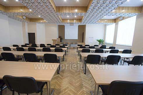 Konferenču zāle atpūtas kompleksā Palangos zuvedra