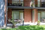 Dviviečiai apartamentai su terasa pirmajame kotedžo aukšte. 40 kv.m. - 12