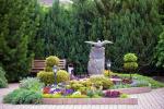 Privaten Hof mit einem Garten, Gartenmöbel, Pergola, Kinderspielplatz, PKW-Parkplatz - 10