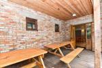 Māja pasākumiem ar banketu zāli, guļamistabām, saunu, burbuļvannu, āra peldbaseinu - 8